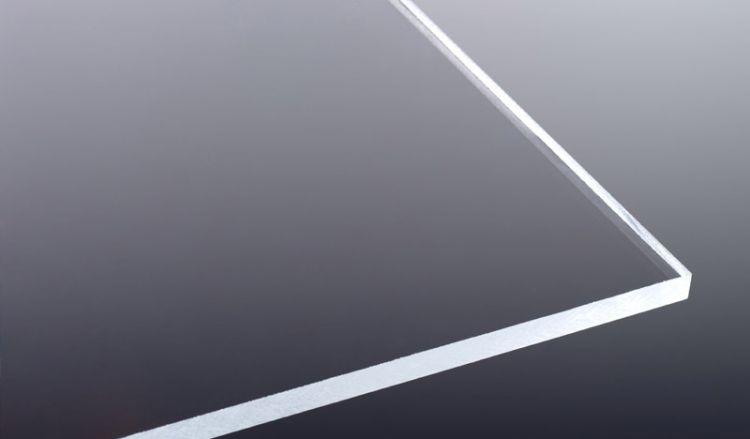 Unsere 3 mm Acrylglas Platte ist ideal für Balkonbrüstungen, Haustürvordächer, Industrieverglasungen sowie als Wind- und Sichtschutz etc. geeignet.