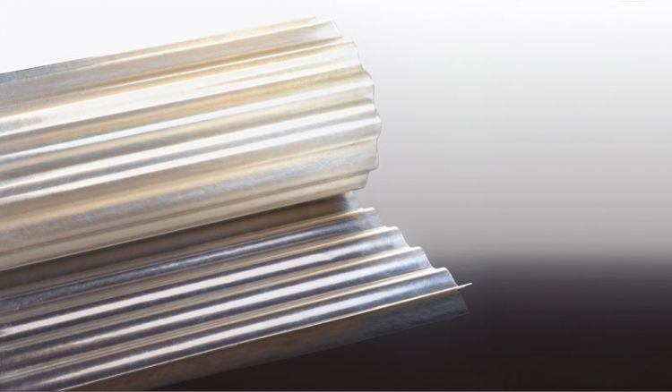 Unsere Lichtwellrolle aus Glasfaserverstärktem Kunststoff (GFK) sind UV-stabilisert, bruchsicher, felxibel unn haben das Profil S 76/18. Sie sind in den Längen 5000 - 35000 mm erhältlich.