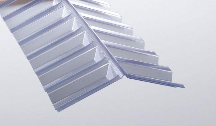 Unsere glasklaren Firsthauben aus PVC für K 70/18 Wellplattenprofile sind extrem hagelschlagsicher und haben das Maß 1092 x 150 x 150 mm. Weiteres Zubehör finden Sie in unserem Shop.