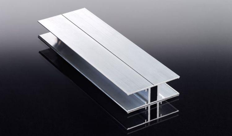 Die H-Leiste aus Aluminium gehört zum Montagezubehör für 16 mm Polycarbonat-Lichtpaneele. Das Profil ist in den Längen 2000, 3000 und 6000 mm verfügbar