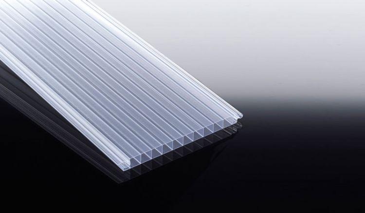 Splittersichere 16 mm Polycarbonat-Lichtpaneele für Wandmontagen sind in Längen von 2000, 2500 und 3000 mm erhältlich