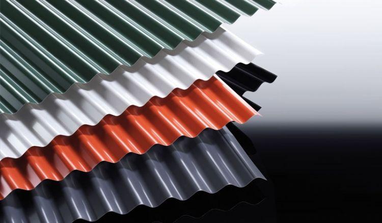 Das verzinkte Stahl Wellblech S 76/18 ist CE-zertifiziert und hat eine 60 my TTHD Beschichtung. Sie können wählen, ob Sie einen verklebten Antikondensvlies benötigen oder nicht - um Kondenswasserbildung vorzubeugen.