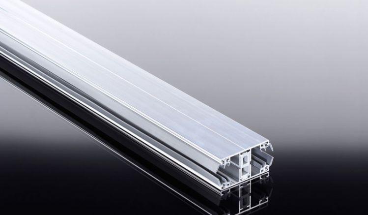 Thermo Aluprofile für  wärmedämmende 16 mm Stefünfachgplatten: Durch thermische Trennung ist dieses System besonders für geschützte und geschlossene Wintergärten geeignet. In der Kombination mit den sonnenreflektierenden Stegplatten lassen Sich die Energi