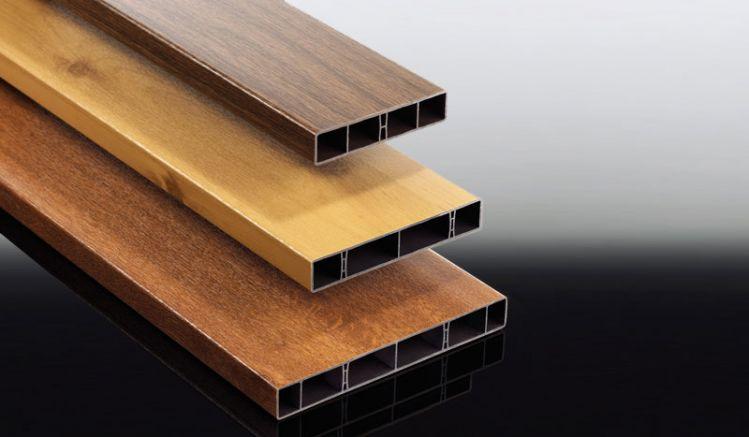 Witterungsbeständige 25 x 120/150/200 x 6000 mm Hohlkammerbretter in den Farben Eiche Rustikal, Astfichte und Golden Oak für Ihren Balkon