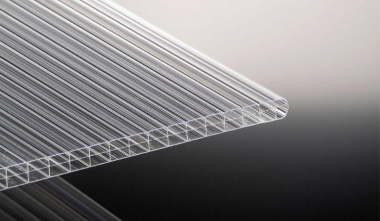 Die 16 mm Stegplatte in klar ist der Klassiker unter den Stegplatten - extrem hagelfest und witterungsbeständig