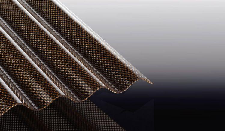 Unsere witterungsbeständigen Polycarbonat Wellplatten haben eine Wabenstruktur in der Farbe Bronze. Sie können die S 76/18 Wellplatten in Längen von 2000 - 6000 mm bestellen oder individuell zuschneiden lassen.
