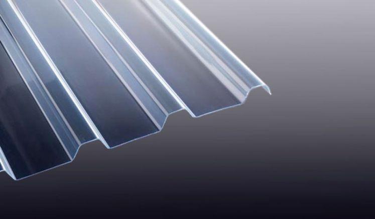Unsere PVC Wellplatte in Glasklar hat eine Stärke von 1,4 mm und das Profil 138/20. Die PVC Wellplatte eignet sich ideal für Lichtbänder bei Dachblechen.