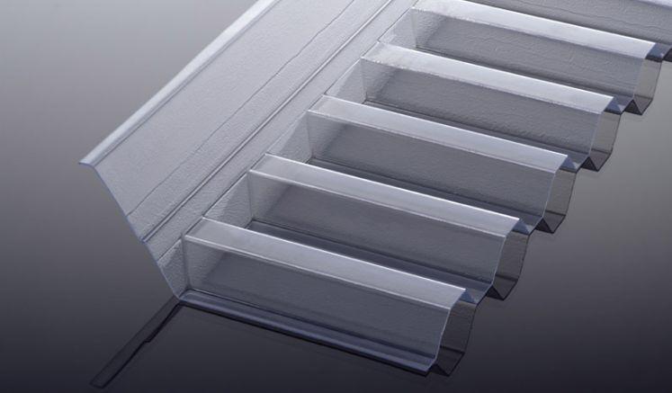 Unsere PVC Wandanschlüsse für K 70/18 Spundwände und S 76/18 Wellplatten haben eine hohe Lichtdurchlässigkeit und die Abmessung 1092/1030 x 150 x 60 mm. Die Farbe ist Glasklar.