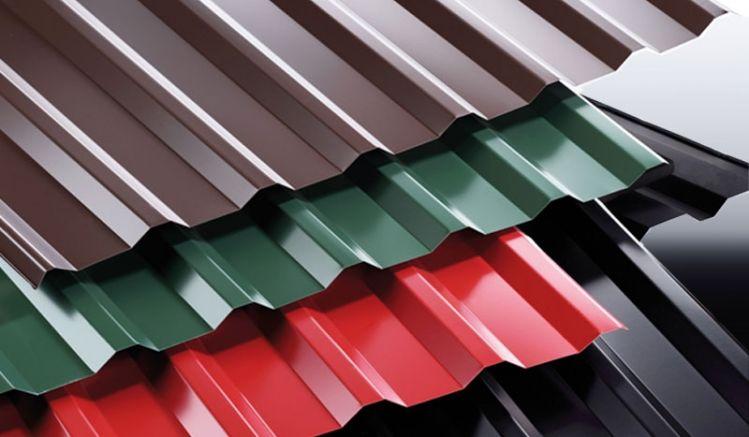 Das verzinkte Stahl Trapezblech mit dem Profil 138/20 ist CE-zertifiziert und 60 my TTHD beschichtet. Die Plattenstärke beträgt 0,5 mm. Erhältlich ist das Trapezblech in 6 verschiedenen Farben.