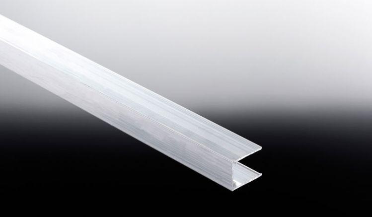 U-Abschlussleiste zur Montage von Wand-Lichtpaneelen aus Polycarbonat. Wir liefern das Aluprofil in den Längen 2000, 3000 und 6000 mm aus
