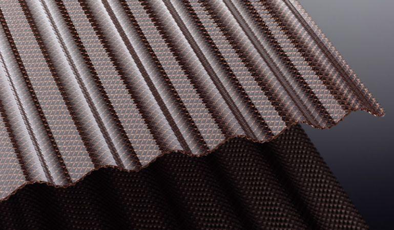 Die Acryl Wellplatten mit Wabenstruktur haben eine hohe Bruchsicherheit und sind in den Längen 2000 - 6000 mm erhältlich. Die Wellplatten haben eine hohe Lichtdurchlässigkeit und sind extrem Bruchfest.