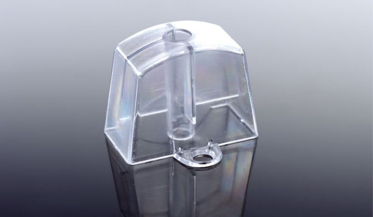 Der günstige Abstandhalter für die Wellplatten mit Welle 5/6/ 6¾ und 177/51 Profilen besteht aus transparentem Kunststoff und wird einfach mit einer Spenglerschraube befestigt. Die Verpackungseinheit sind 100 Stk.