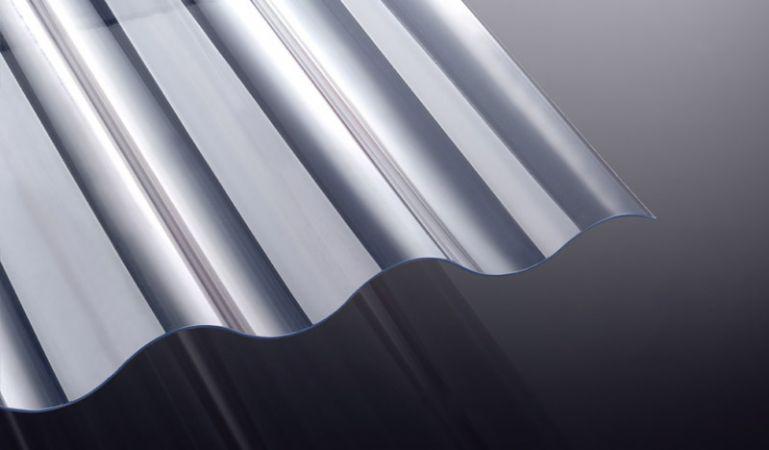 Unsere glasklaren, 1,4 mm starken Wellplatten aus PVC haben das Profil 130/30 - Welle 8. Die Platten eignen sich für Carports, Terrassenüberdachungen und Vordächer.