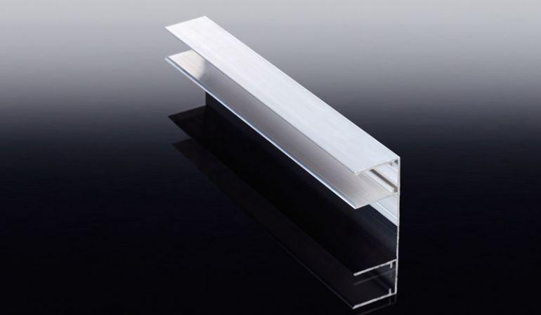 Die F-Leiste aus Aluminium ist eine praktische Alternative zum U-Profil bei der Montage 16 mm Lichtpaneelen aus Polycarbonat